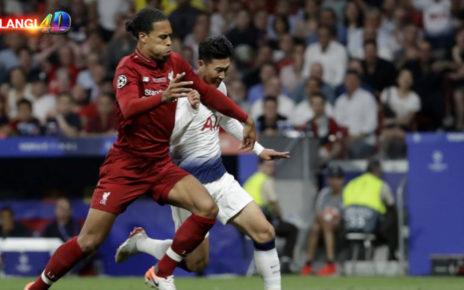 Liga Champions Didapat, Van Dijk Kini Incar Trofi Premier League