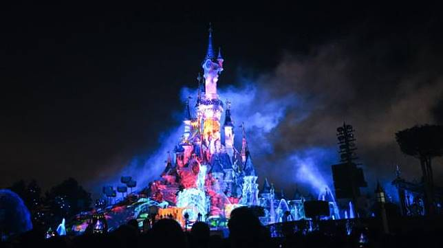 Cucu Pendiri Disneyland Kritik Keras Taman Bermain Milik Kakeknya
