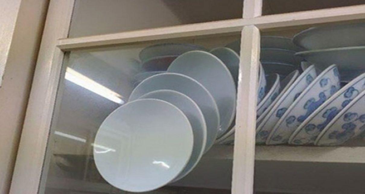 Ide Membuka Pintu Lemari Tanpa Memecahkan Piring-piringnya