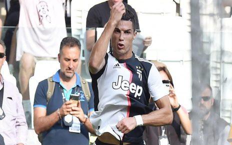 Saking Buruknya: Messi dan Ronaldo Diklaim Takkan Mampu Selamatkan MU