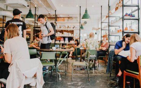 Kafe ini Beri Makanan Gratis ke Pelanggan yang Menukarkan Sampah Plastik