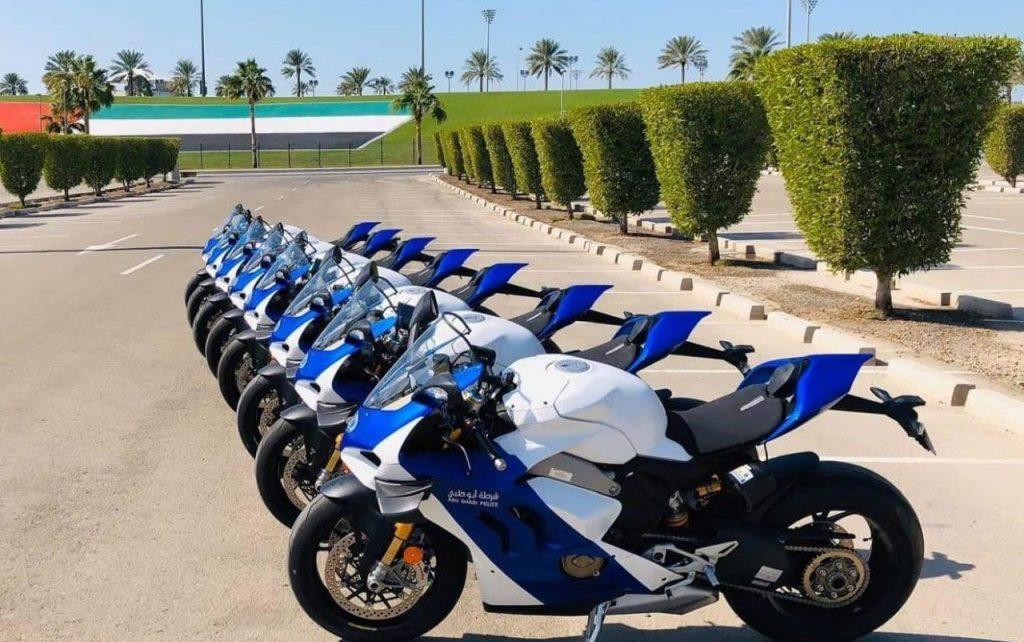 Polisi Abu Dhabi Gunakan Superbike untuk Patroli