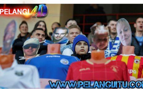 Cerita Dari Belarusia : Kisah Tribun Stadion Yang Isinya Hanya Maneken