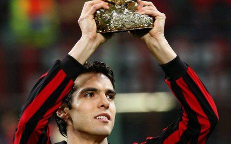 Sebenarnya Kaka Tidak Ada Niat Untuk Meninggalkan AC Milan