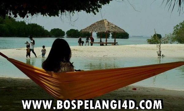 Ribuan Wisatawan Kunjungi Pulau Seribu Saat PSBB Transisi