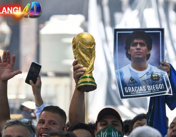 Mereka Ingin Menjadi Seperti Diego Maradona